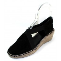 Andre Assous Women's Conner In Black Suede/Stretch Elastic