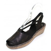 Andre Assous Women's Dainty In Black Swan Leather/Elastic