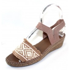 Andre Assous Women's Dana In Beige/White Woven Fabric/Taupe Suede