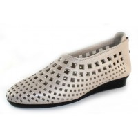 Arche Women's Nirick In Nacre Fast Pearlized Leather - Off White