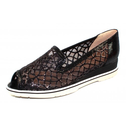 Brunate Women's Daisy 11317 In Black Mesh/Embossed Pearlized Suede