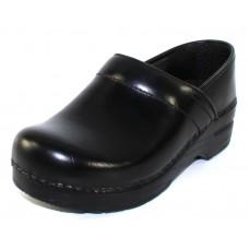 Dansko Women's Narrow Pro In Black Cabrio Leather