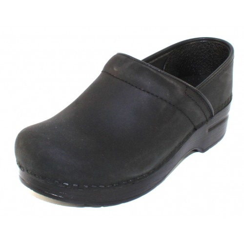 Dansko Women's Narrow Pro In Black Oiled Leather