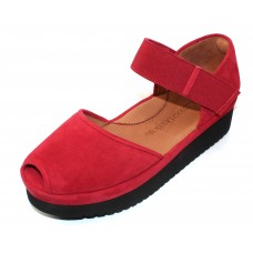 Lamour Des Pieds Women's Amadour In Red Suede/Black Sole