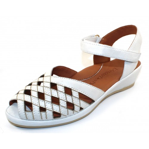 Lamour Des Pieds Women's Burcie In White Lamba Soft Nappa Leather