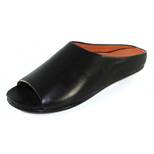 Lamour Des Pieds Women's Dijone In Black Lamba Soft Nappa Leather