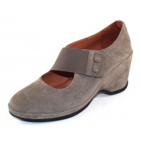 Lamour Des Pieds Women's Oriana In Grey Suede