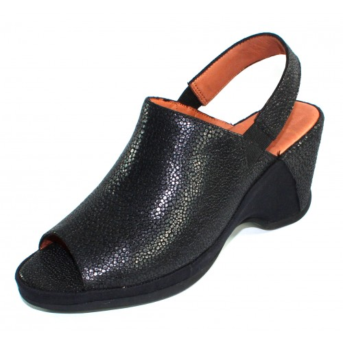 Lamour Des Pieds Women's Orvelle In Black Meteor Embossed Leather