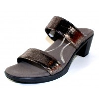 Naot Women's Fate In Silver Pebble Leather