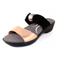 Naot Women's Pinotage In Satin Gold Leather/Black Stretch
