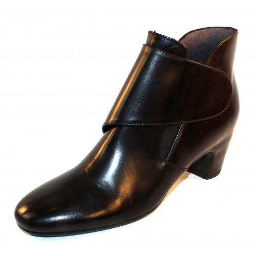 Pas De Rouge Women's Angela 1308 In Black Waterproof Indiro Calf Leather