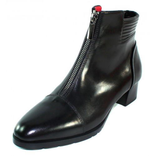 Pas De Rouge Women's Carmen M651 In Black Susy Polished Leather