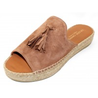 Andre Assous Women's Cameron In Cuero Suede