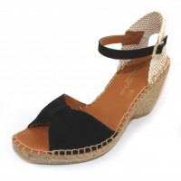Andre Assous Women's Laetia In Black Suede