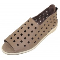 Arche Women's Drick In Sabbia Timber Calf Leather - Taupe