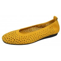 Arche Women's Lilly In Zenith Nubuck - Muted Yellow