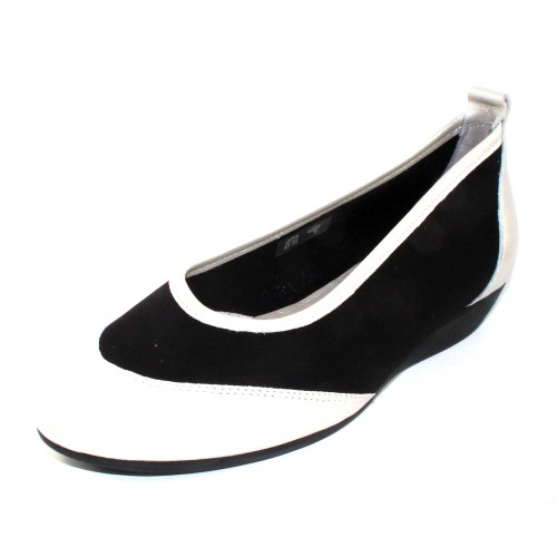 Arche Women's Oneo In Argent Trappeur Metal Pearlized Leather/Black Stretch Microfiber - Off White