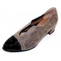 Beautifeel Women's Meryl In Fall Taupe Leopard Printed Suede/Black Patent Leather