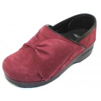 Dansko Women's Pro Bow In Wine Milled Nubuck