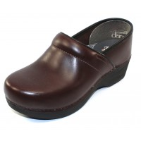 Dansko Women's Xp 2.0 In Brown Pullup Leather