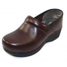 Dansko Women's Xp 2.0 In Brown Pullup Leather