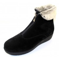 La Canadienne Women's Tess In Black Waterproof Suede