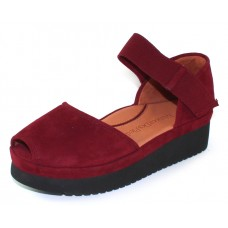 Lamour Des Pieds Women's Amadour In Mulberry Suede