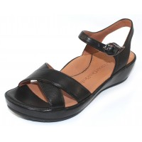 Lamour Des Pieds Women's Casimiro In Black Lamba Leather