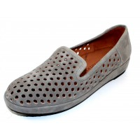 Lamour Des Pieds Women's Clemence In Light Gray Kid Suede