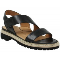 Lamour Des Pieds Women's Dashiell In Black Lamba Leather