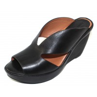 Lamour Des Pieds Women's Ivybelle In Black Sheep Nappa Leather