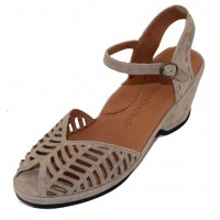 Lamour Des Pieds Women's Oanez In Taupe Kid Suede