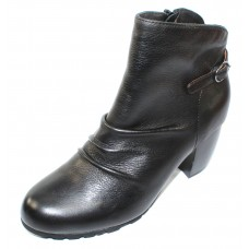 Lamour Des Pieds Women's Pierpont In Black Lamba Leather