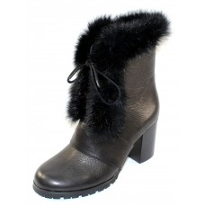 Lamour Des Pieds Women's Quillan In Black Lamba Leather