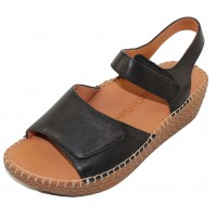 Lamour Des Pieds Women's Yahya In Black Lamba Leather