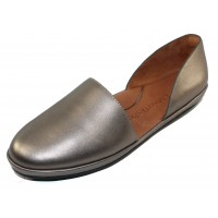 Lamour Des Pieds Women's Yemina In Pewter Metal Leather