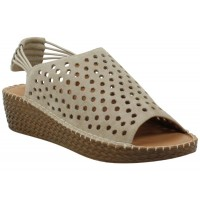 Lamour Des Pieds Women's Yizzy In Taupe Kid Suede