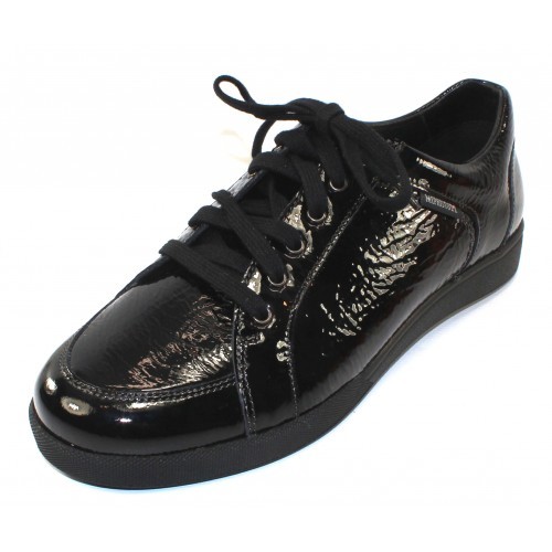 Mephisto Women's Daniele In Black Crinkle Patent Leather 1014
