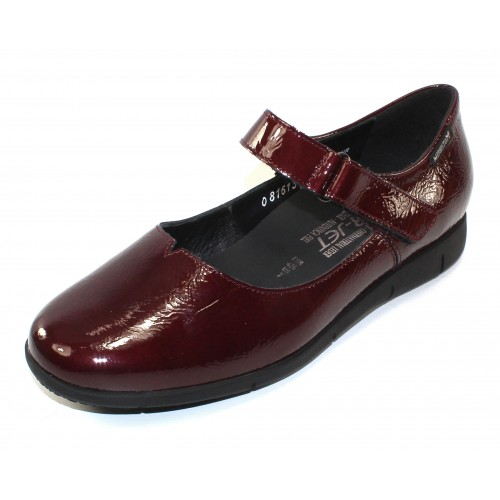 Mephisto Women's Jenyfer In Oxblood Crinkle Patent Leather 1088