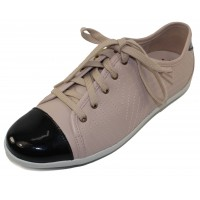 Mephisto Women's Ketty In Light Taupe Leather/Black Patent Leather 7818/4200