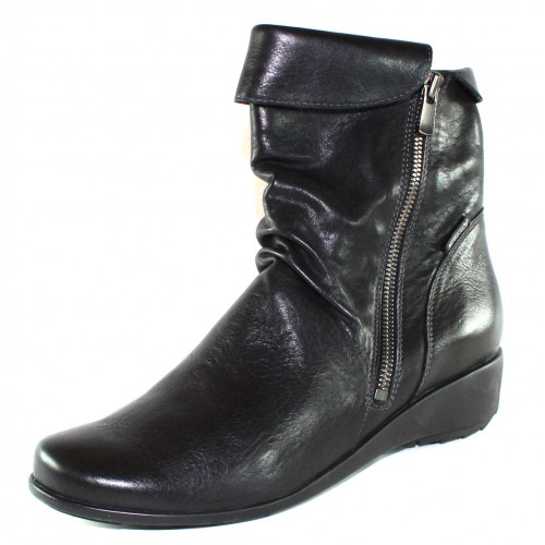 Mephisto Women's Seddy In Black Texas Leather 7900