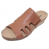Naot Women's Carriage In Mocha Rose Leather
