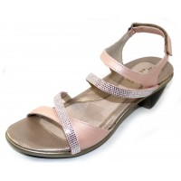 Naot Women's Innovate In Pearl Rose Leather/Silver Rivets