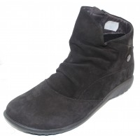 Naot Women's Kahika In Black Velvet Nubuck