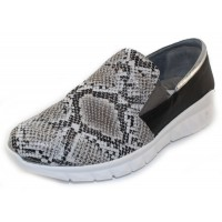 Naot Women's Titan In Grey Cobra/Jet Black/Soft Silver Leather