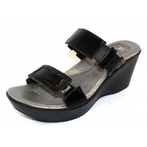 Naot Women's Treasure In Black Madras Leather/Black Patent Leather