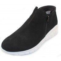 Naot Women's Zodiac In Black Velvet Nubuck