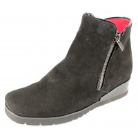 Pas De Rouge Women's Pitty 3228 In Black Idro Waterproof Suede/Patent Leather
