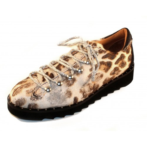 Right Bank Shoe Co Women's Abby In White/Silver Leopard Haircalf