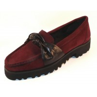 Ron White Women's Rita Knot In Wine Weatherproof Suede